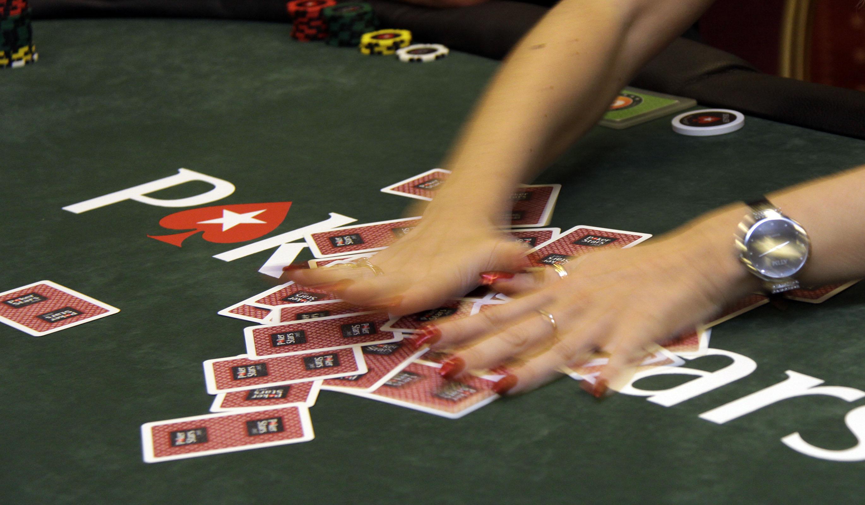 opcionų prekybos lošimai dvejetainiai opciono papildomos pajamos